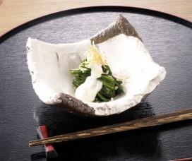ほうれん草のおひたし・ピーナッツ豆腐のソース添え